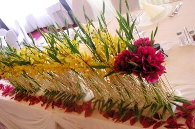 yau flori_yau evenimente_bujor de gradina orhidee si grau verde