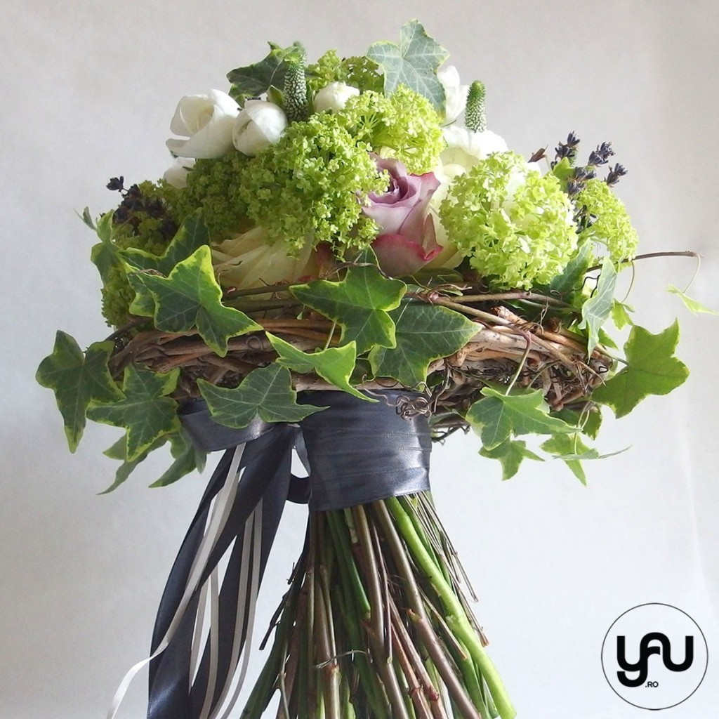 Buchet mireasa primavara_yauconcept_elena toader_buchet cu ranunculus, viburnum si trandafiri (4)