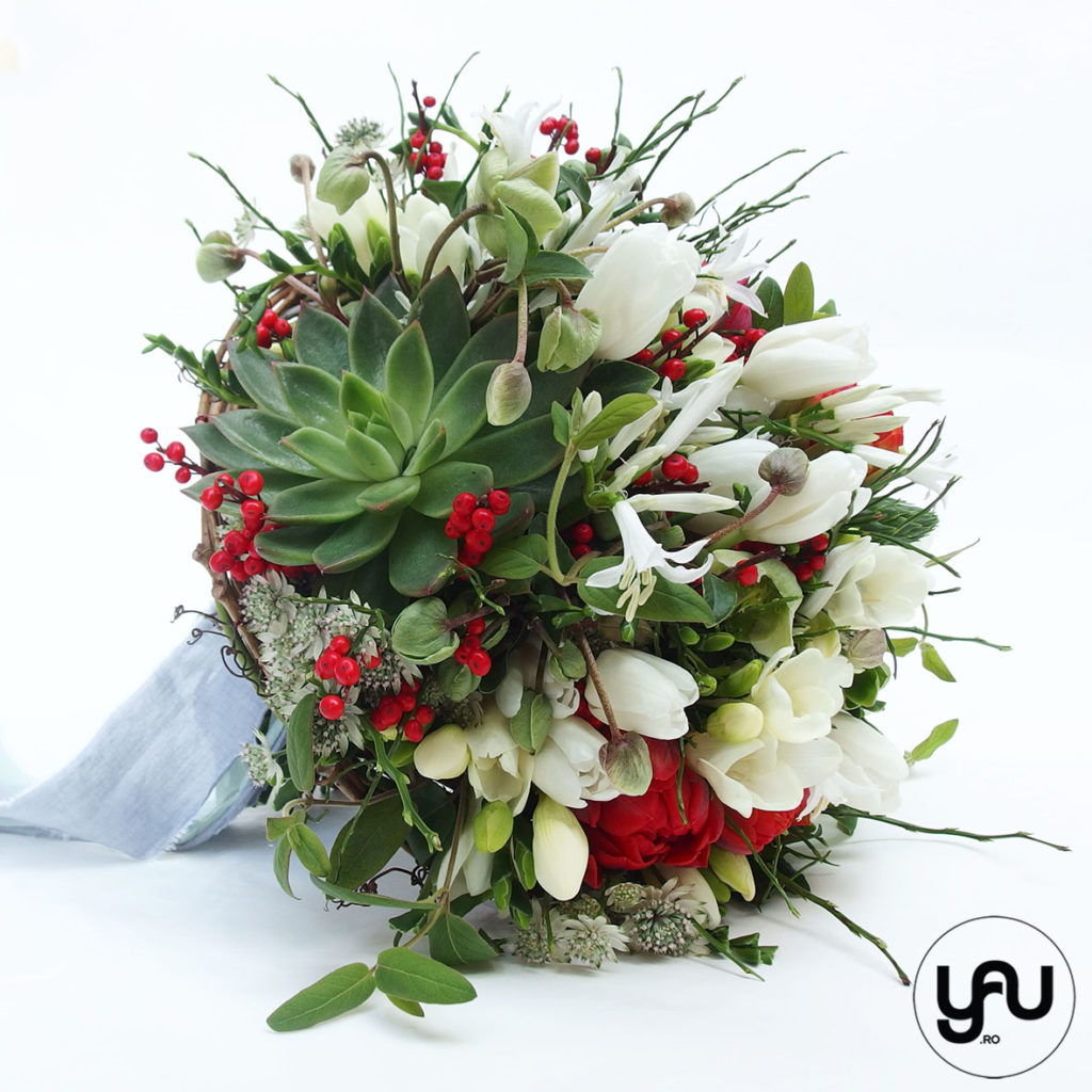 buchet-mireasa-suculente-flori-rosii-lalele-frezii-helleborus-_-yau-concept-_-elenatoader-2