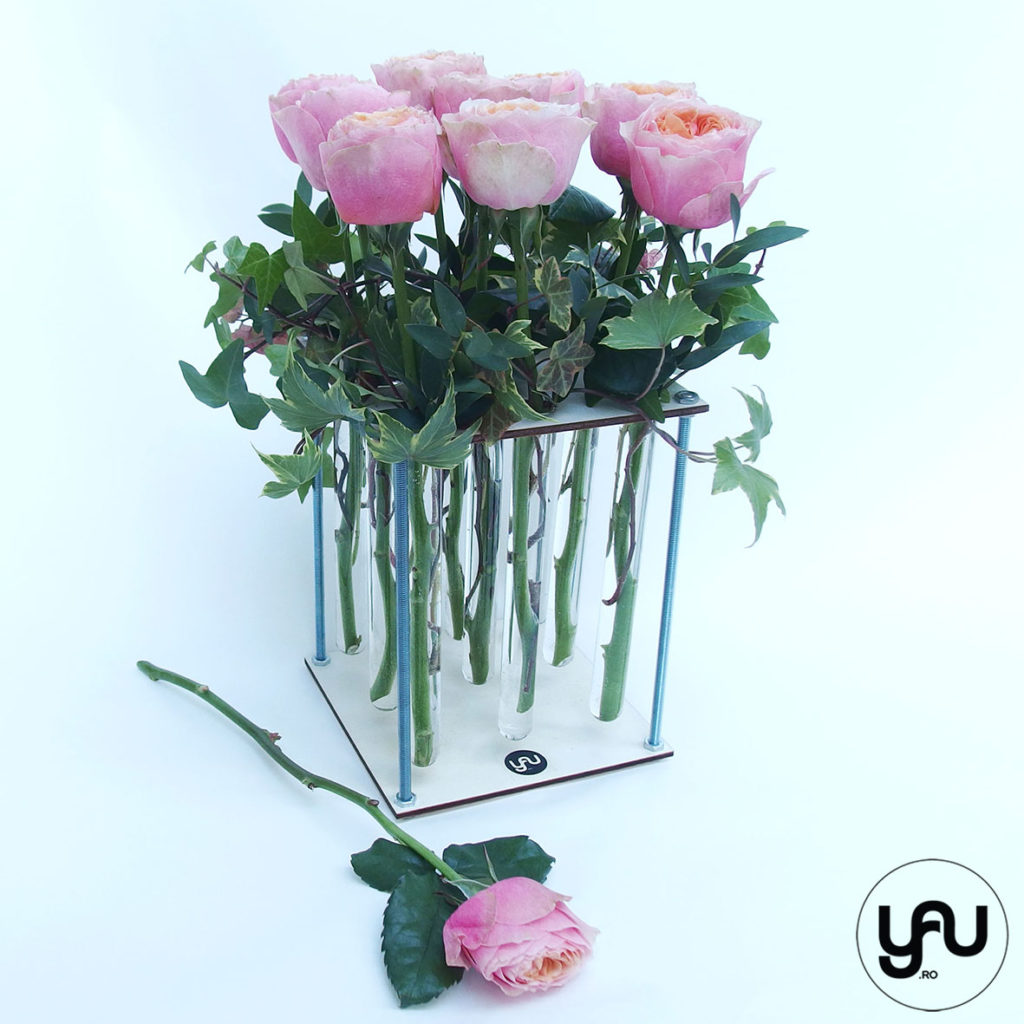 trandafiri-gradina-in-suport-floral-din-lemn-_-yauconcept-_-elenatoader-4