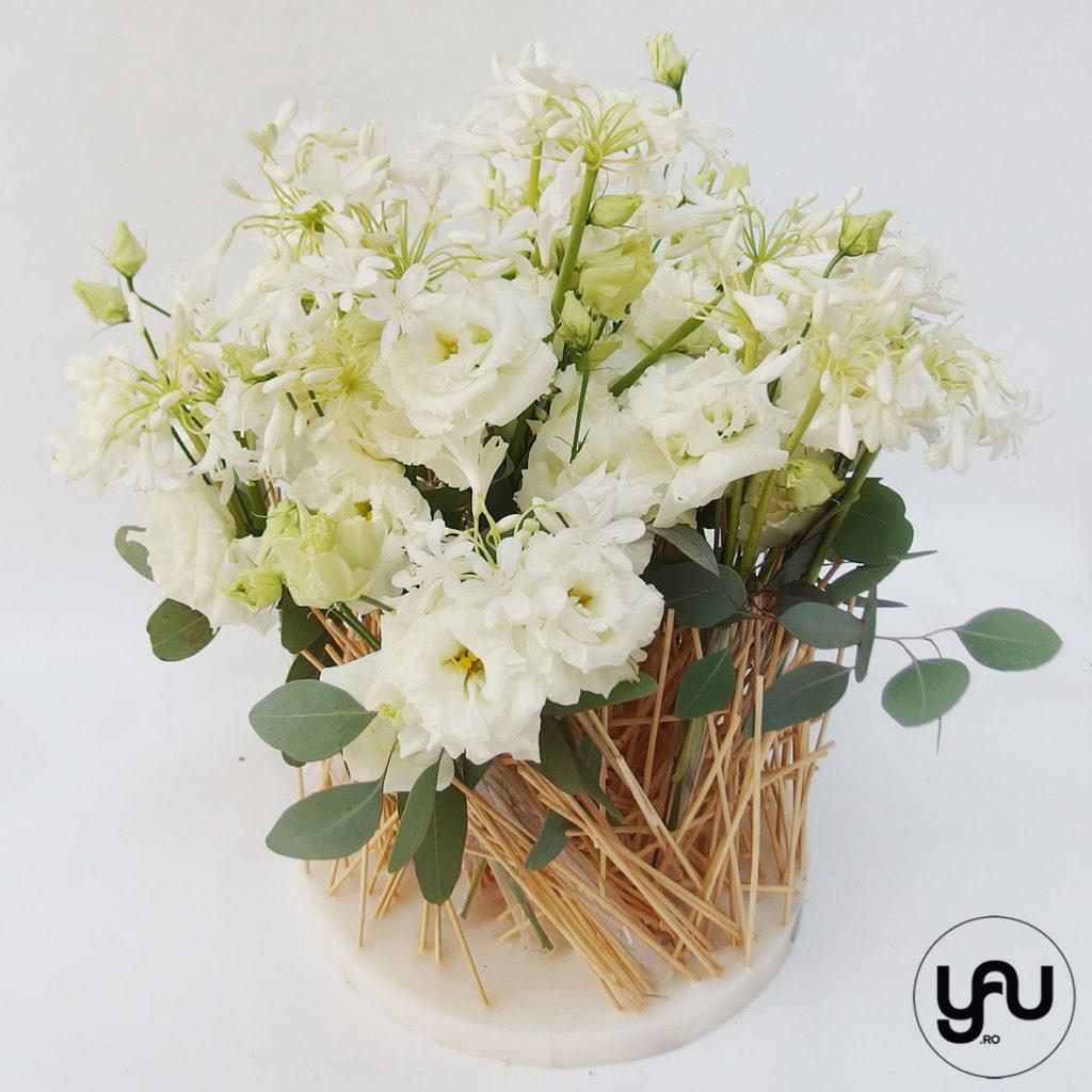Flori albe si structuri YaU din ceara si bete YaUconcept YaUevenimente ElenaTOADER