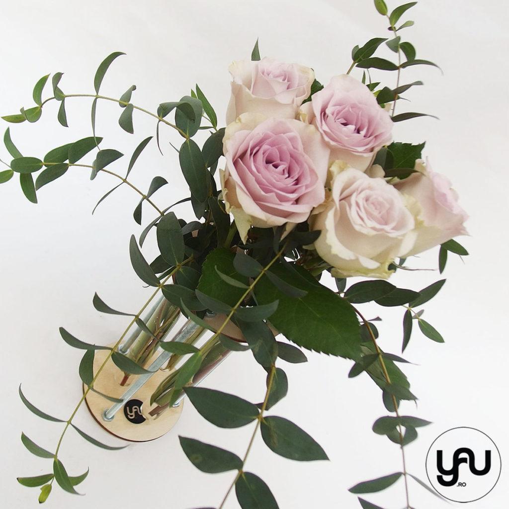 Trandafiri lila si structuri YaU din lemn YaUconcept ElenaTOADER
