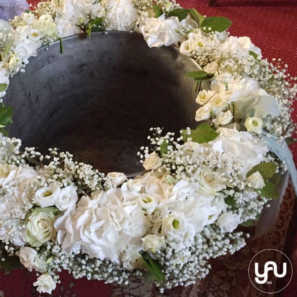 Ghirlanda botez flori albe YaUconcept ElenaTOADER