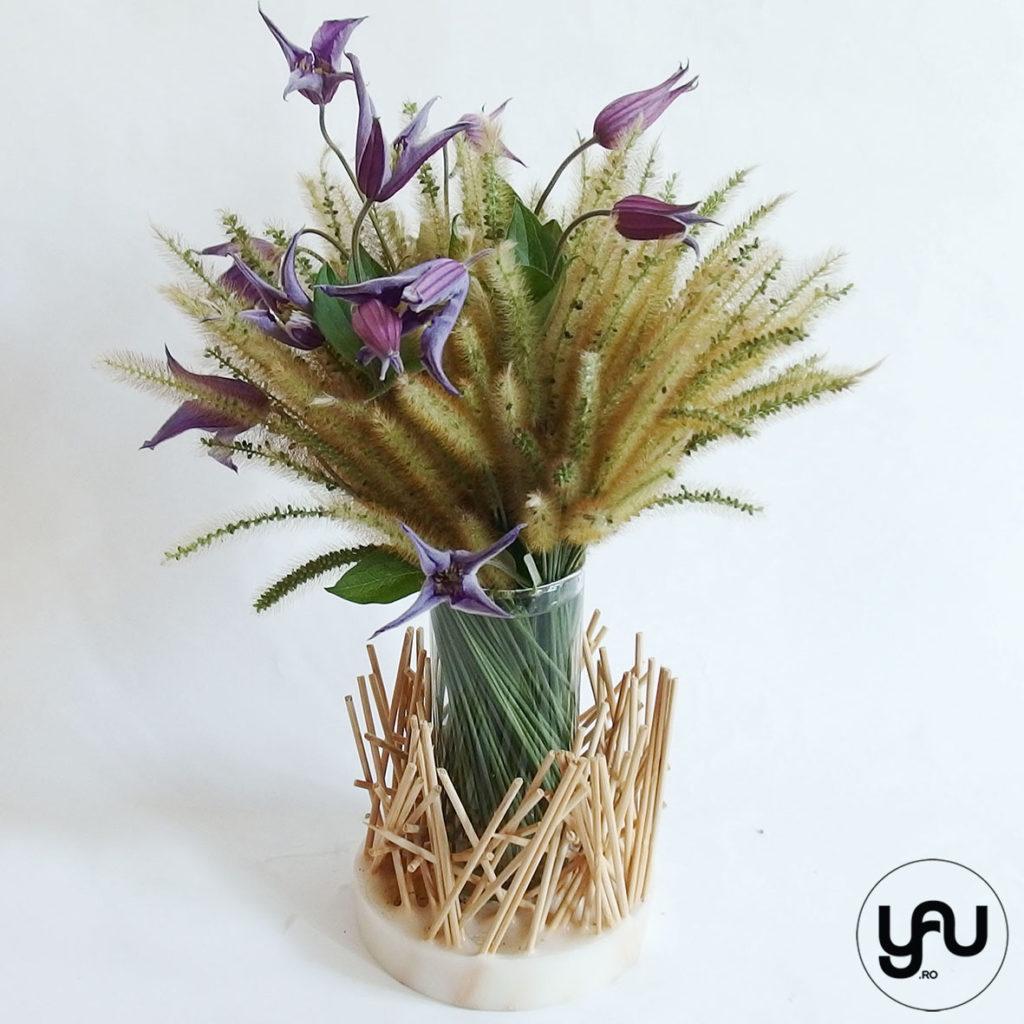 Flori albastre bete si ceara YaUcocept ElenaToader