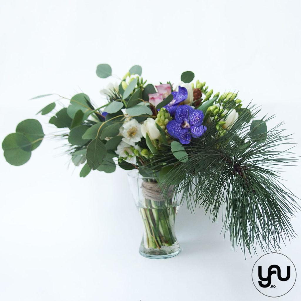 Flori de primavara si pin intr-un buchet YaUconcept ElenaTOADER