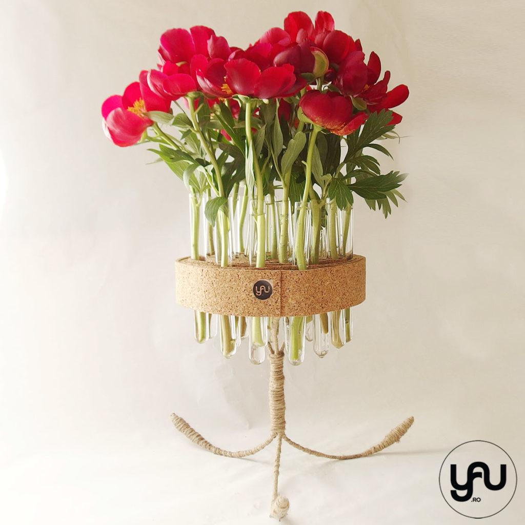 Bujori rosii si structuri YaU din pluta YaUconcept ElenaTOADER