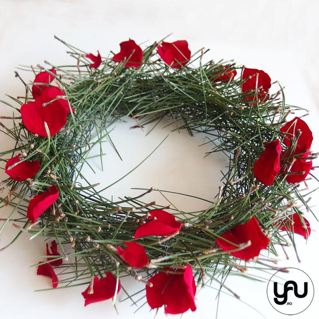 Cununa din pin si petale de trandafir yau.ro yau concept Elena Toader