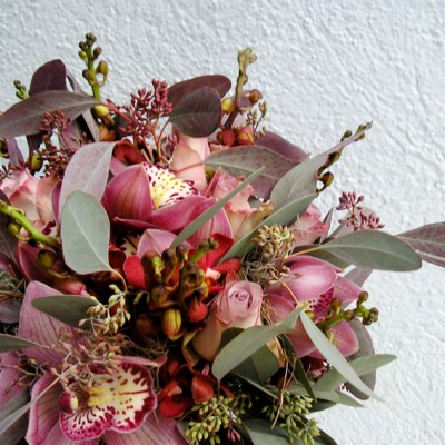 yau flori_buchet special lila cu trandafiri si orhidee
