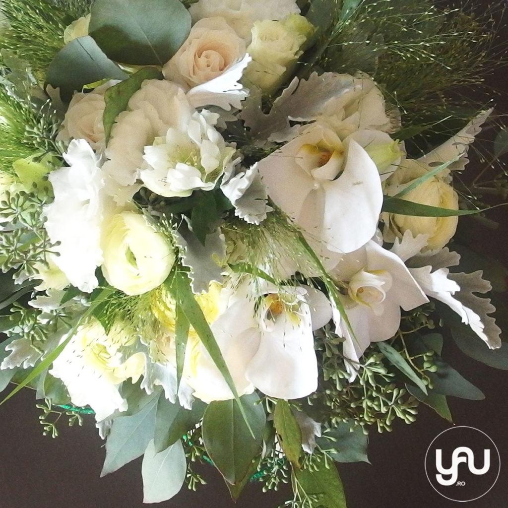 buchet-mireasa-flori-albe-ranunculus-helleborus-lisianthus-orhidee-_-yauconcept-_-elenatoader-4