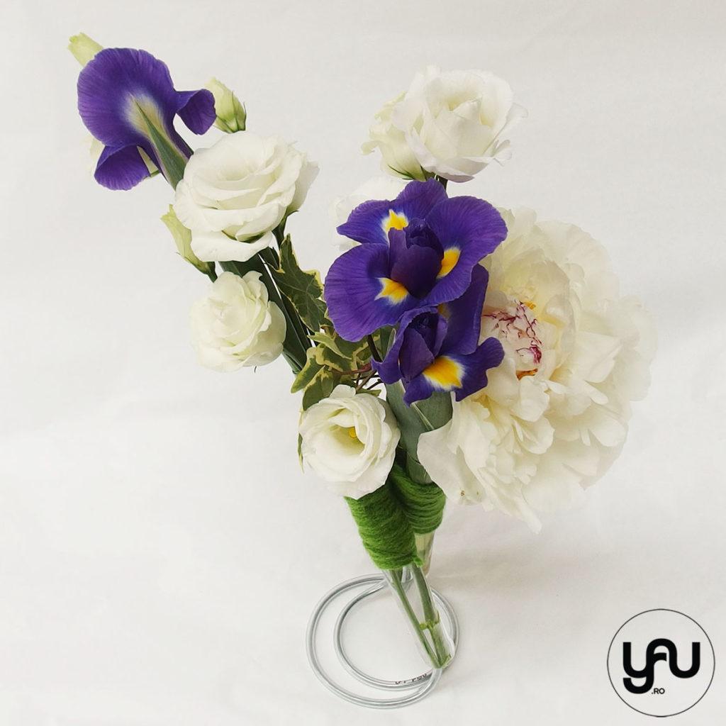 Aranjament floral Bujori si Irisi YaUconcept ElenaTOADER