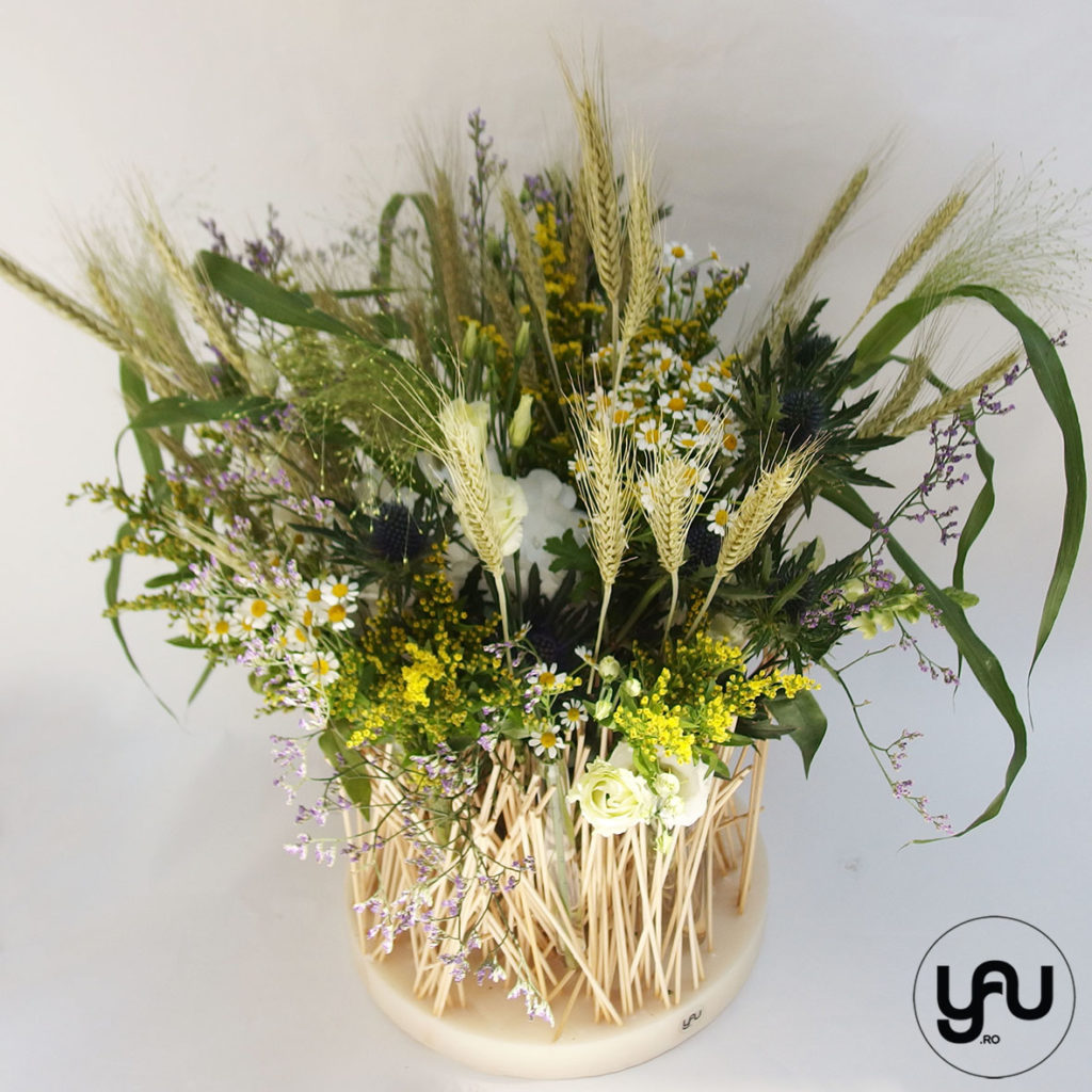 Flori de camp si suporti YaU din ceara si bete YaUconcept YaUevenimente ElenaTOADER