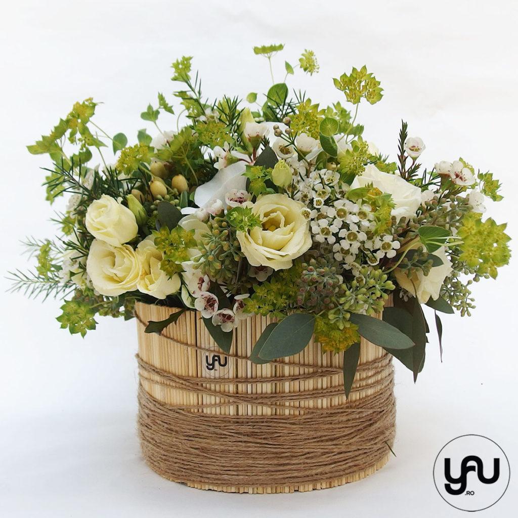 Aranjament flori albe si verzi YaUconcept ElenaTOADER