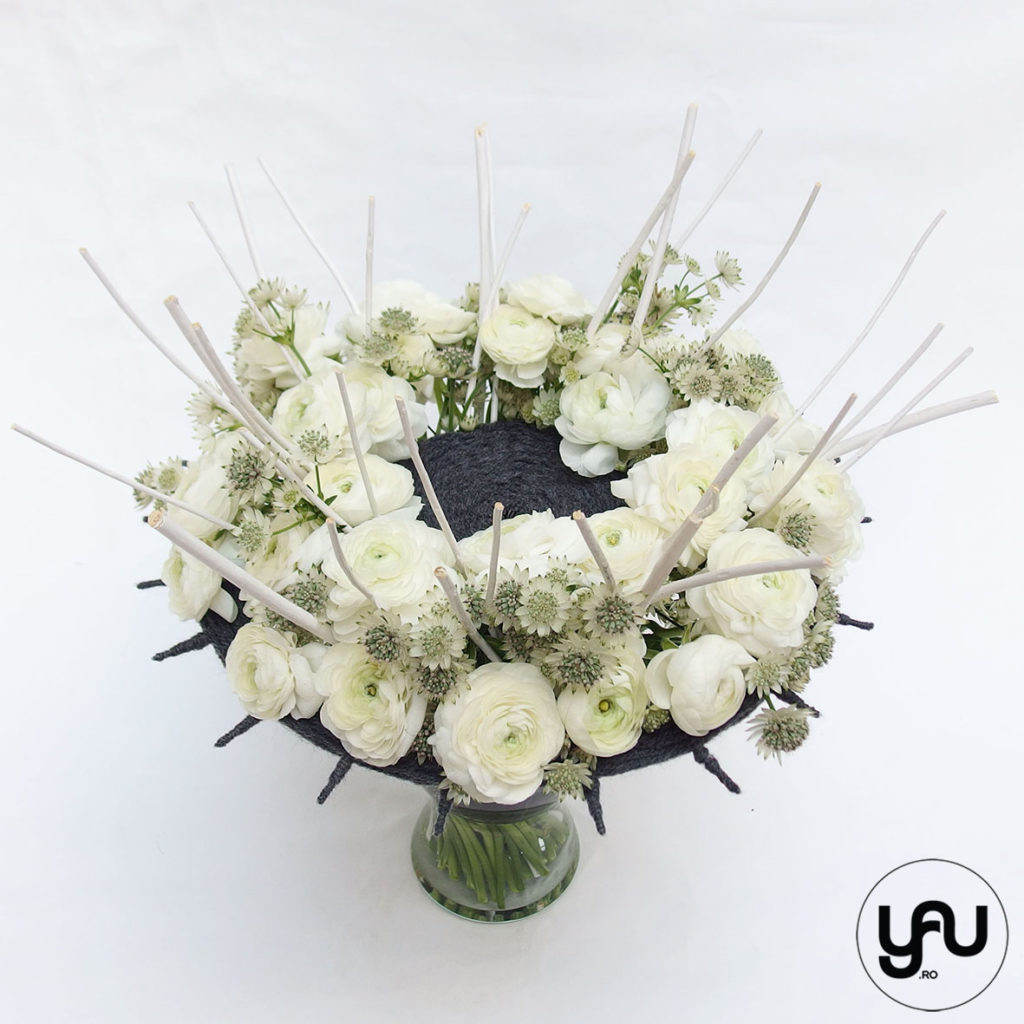 Buchet flori albe RANUNCULUS si ASPRANTIA YaUconcept ElenaTOADER