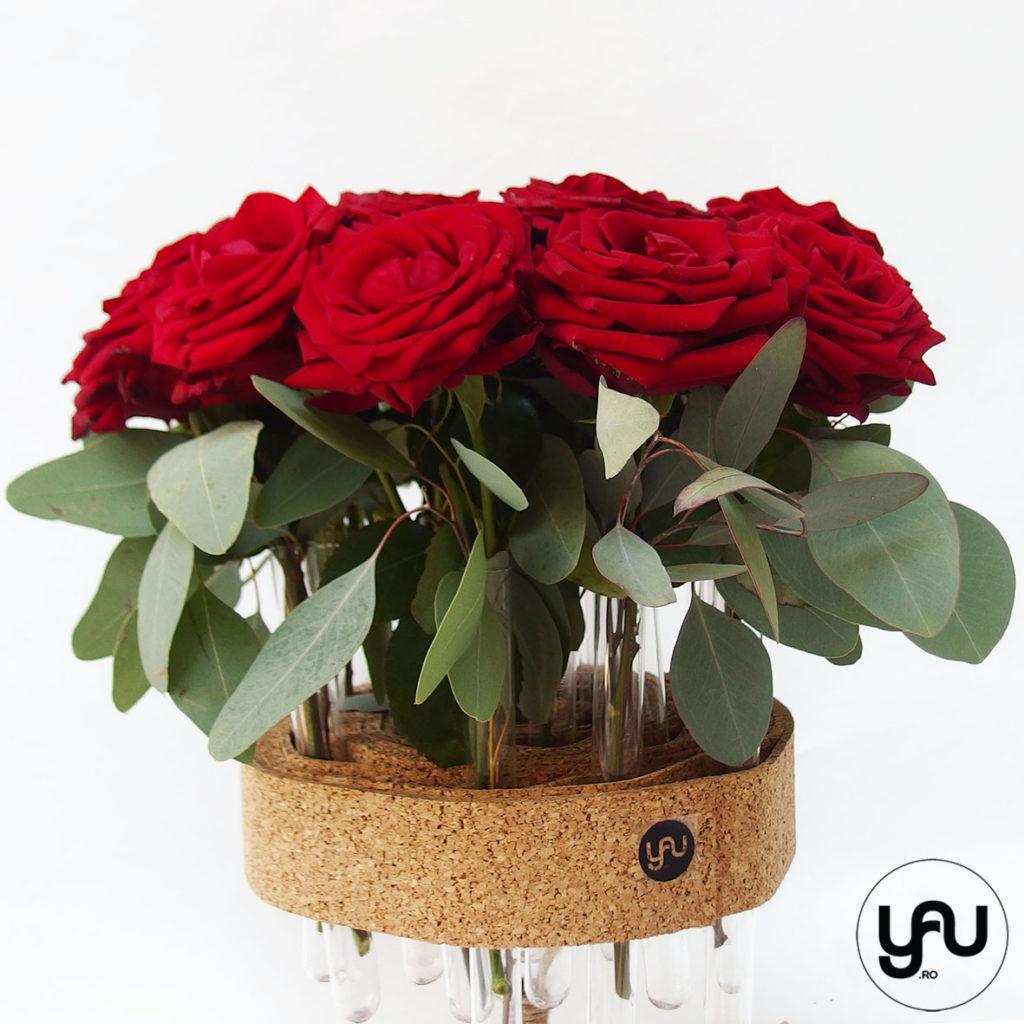 Trandafiri rosii in suporti YaU din pluta YaUconcept ElenaTOADER