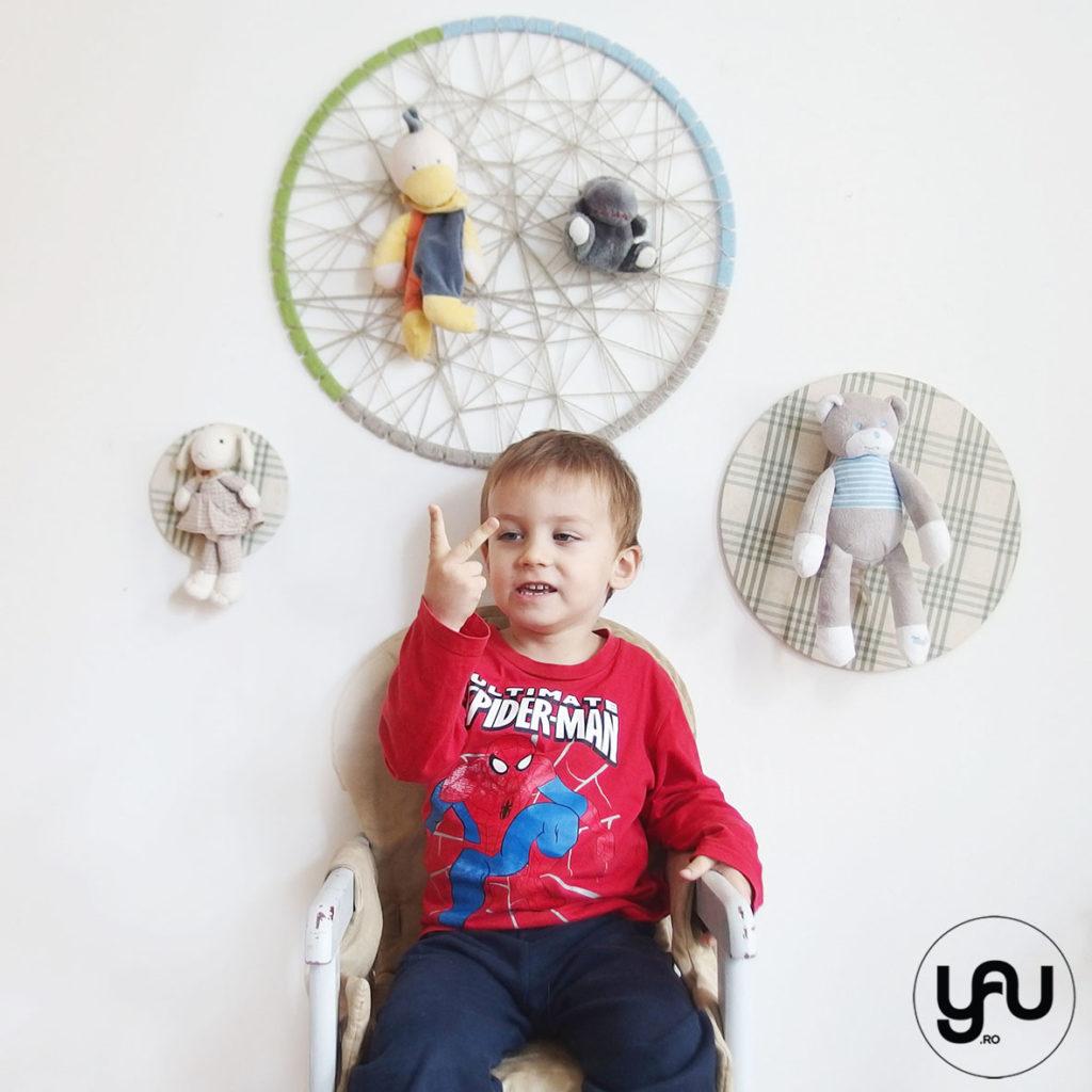 Amza pe scaunel - 3 ani YaUconcept ElenaTOADER