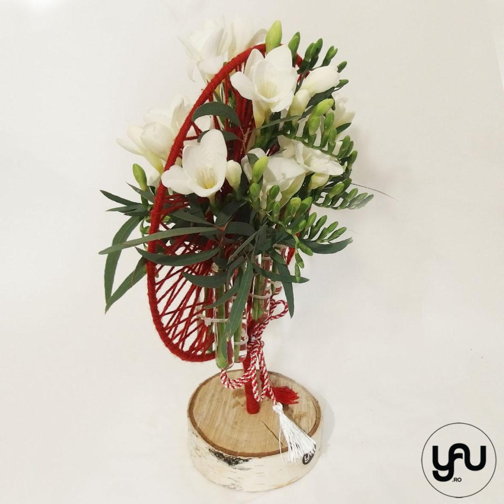 Aranjament floral frezii albe YaUconcept ElenaTOADER