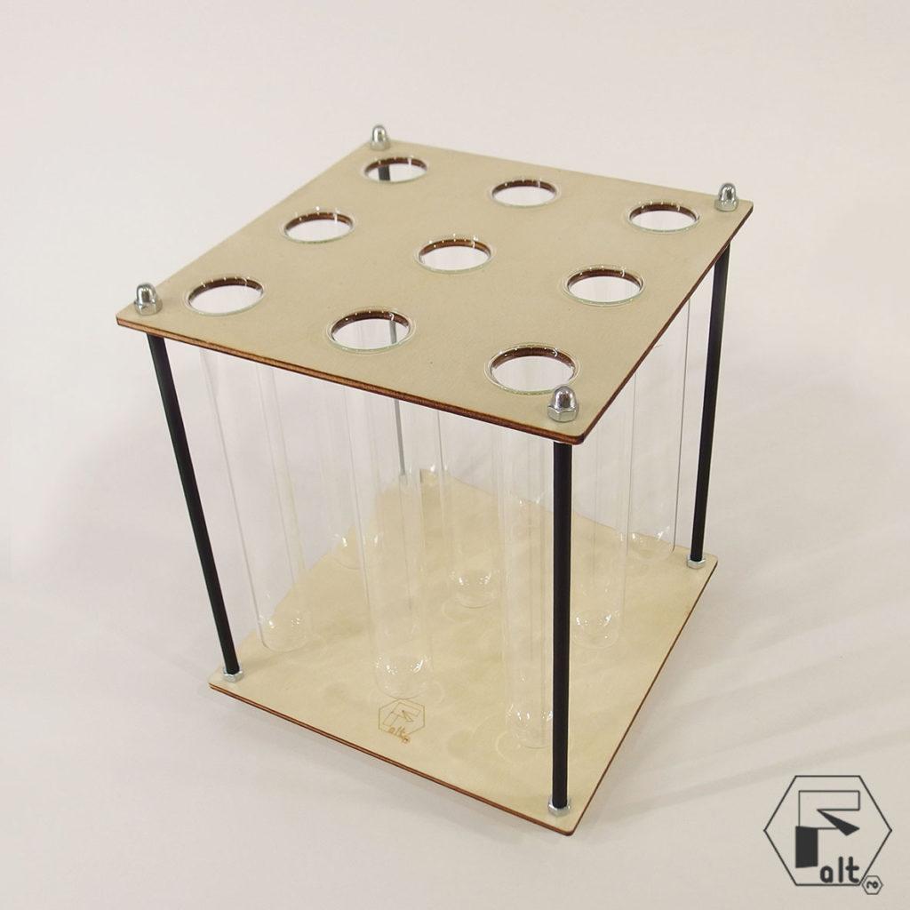 Aranjamente cu zambile in structuri geometrice altF.ro   PATRAT yau.ro altF.ro elena toader