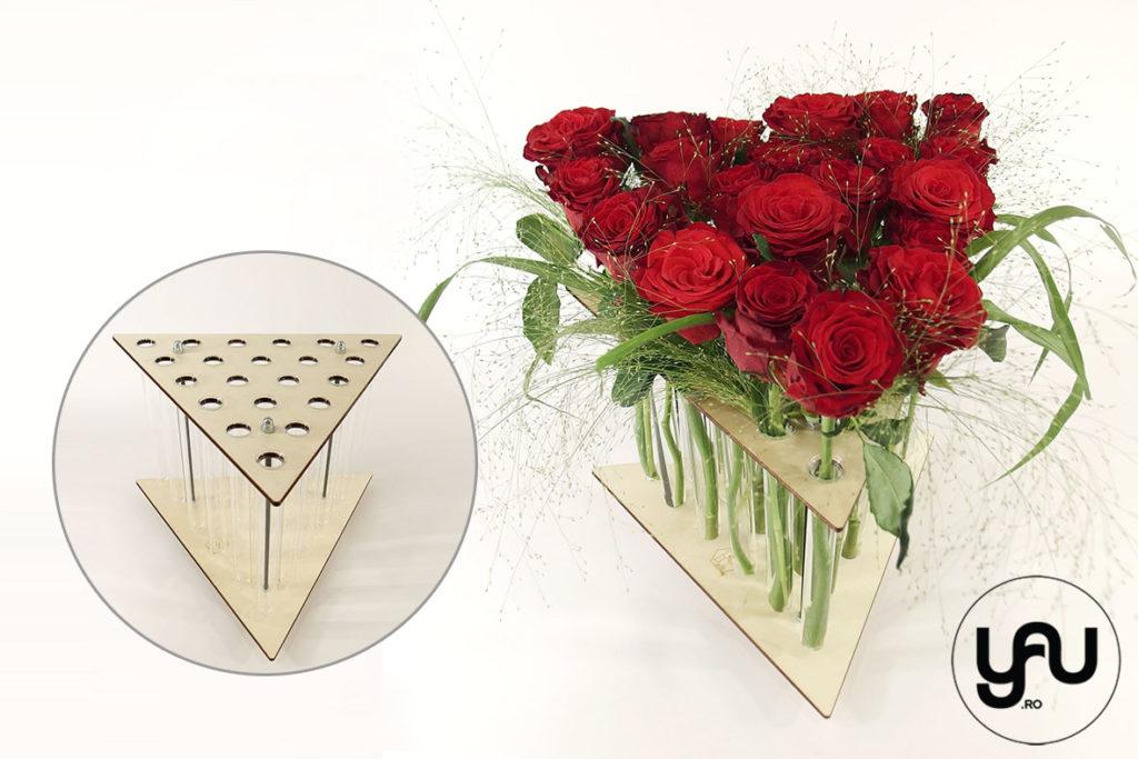 Aranjamente trandafiri in structuri geometrice altF.ro TRIUNGHI yau.ro Elena TOADER