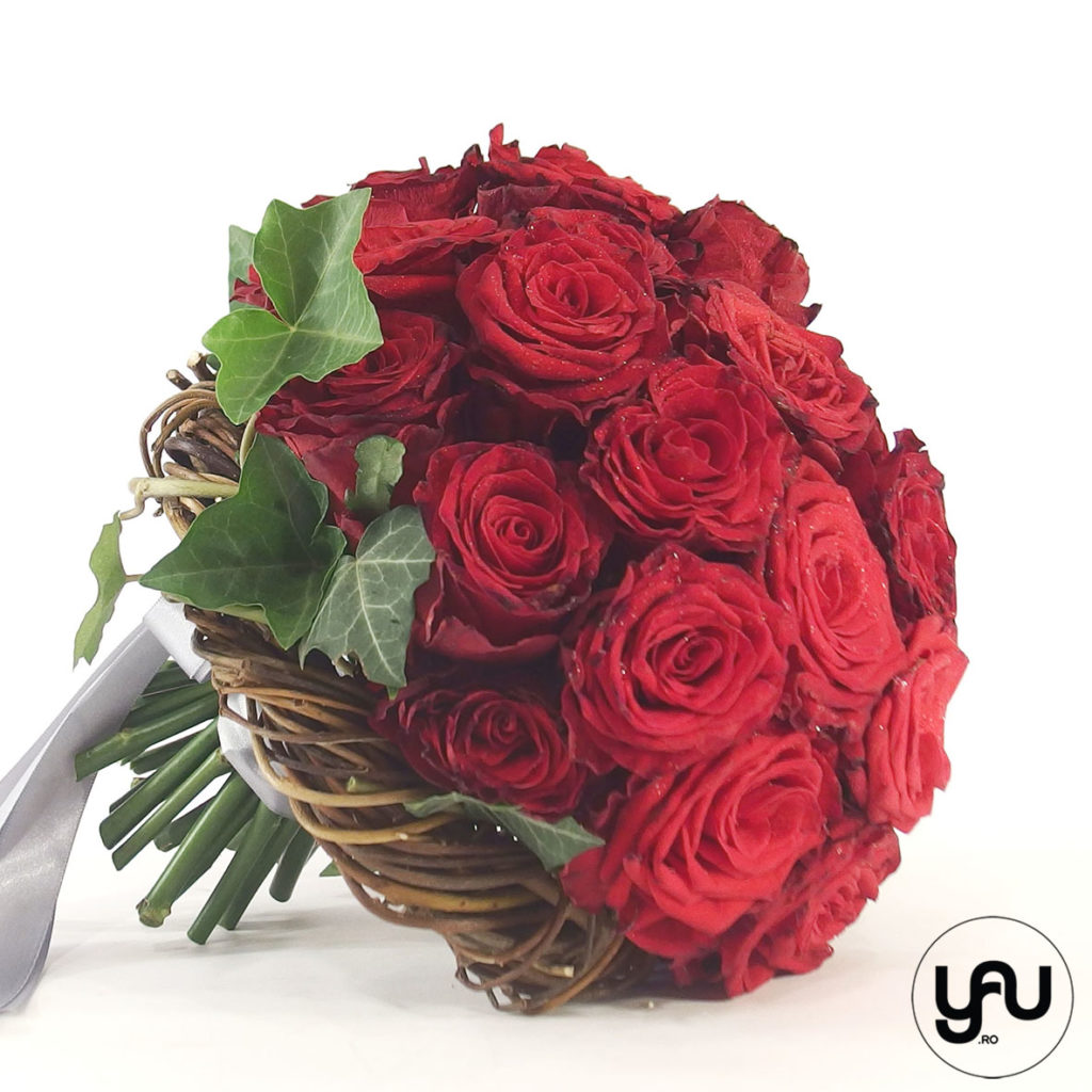 Buchet mireasa trandafiri rosii Roses are RED | Trandafiri rosii pentru nunta yau.ro yau concept elena toader