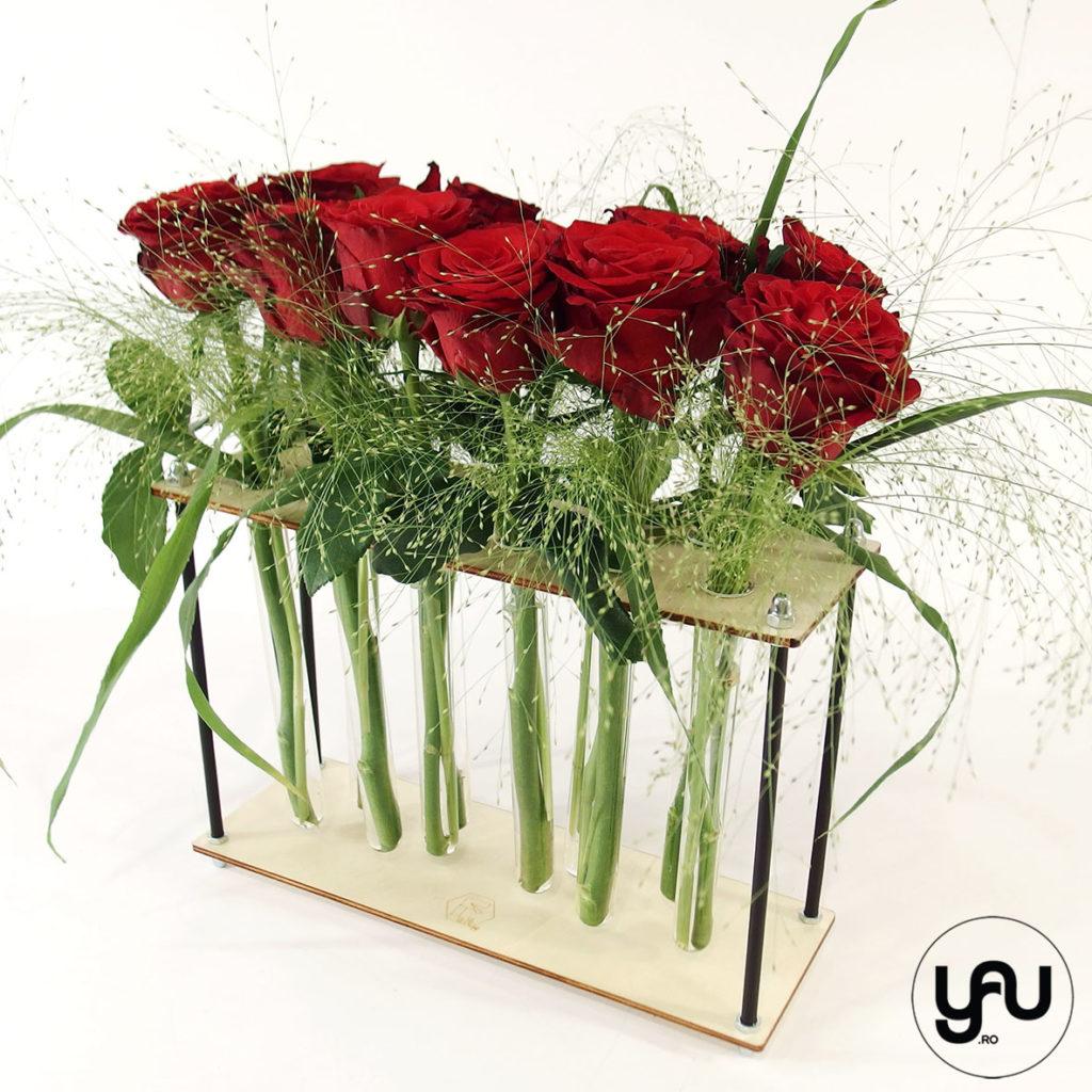 Trandafiri si lalele in structuri geometrice altF.ro LONGITUDINALE yau.ro Elena Toader