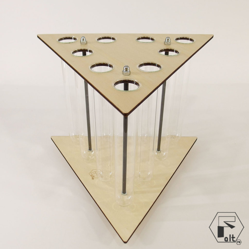 Zambile in structuri geometrice altF.ro – TRIUNGHI yau.ro Elena Toader