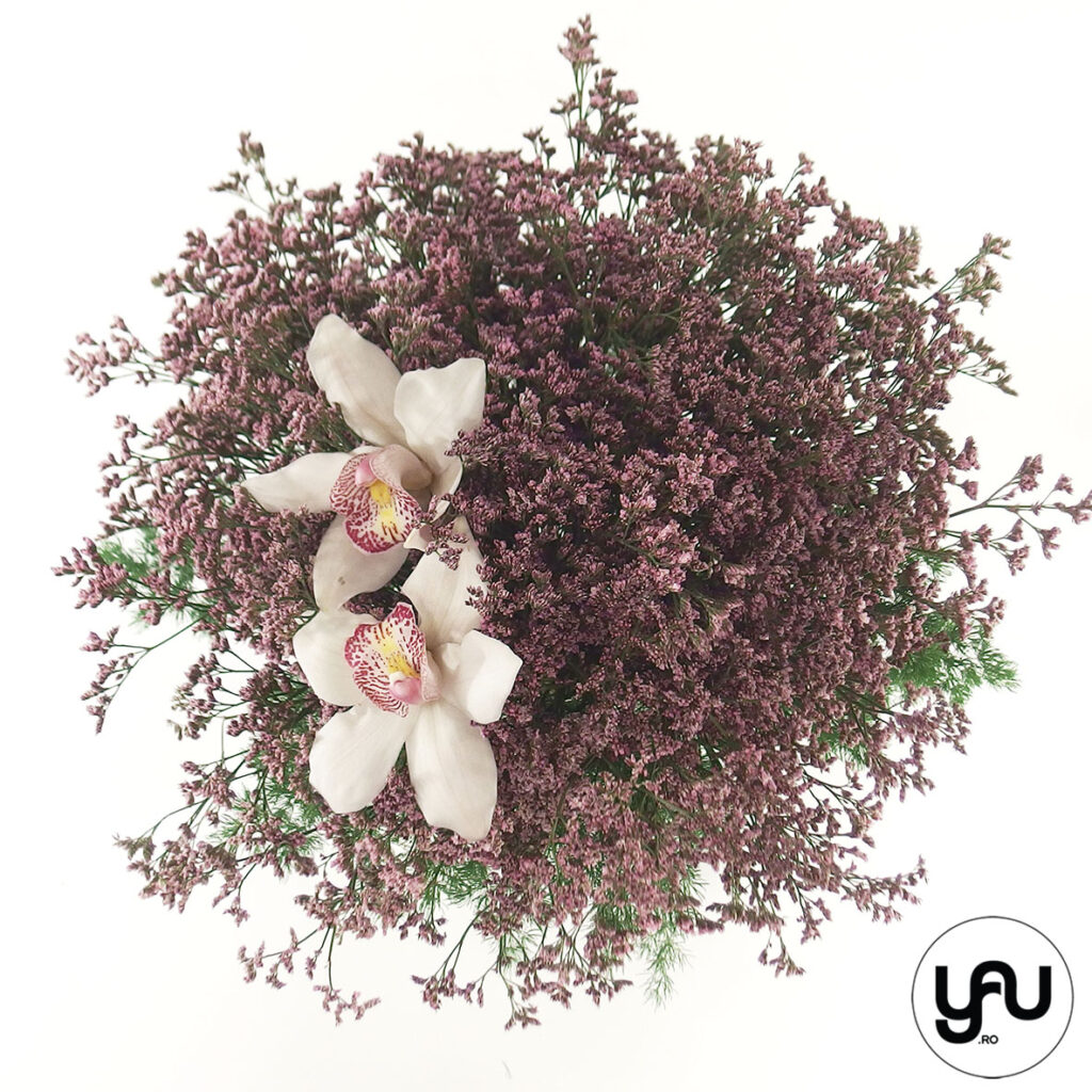 Less is more | un buchet cu orhidee si limonium