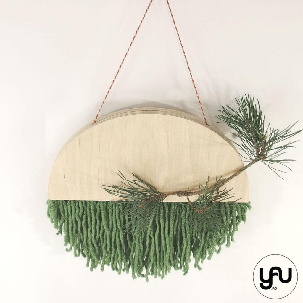 Coronita CRACIUN din lemn si lana - YaU CRACIUN 2020