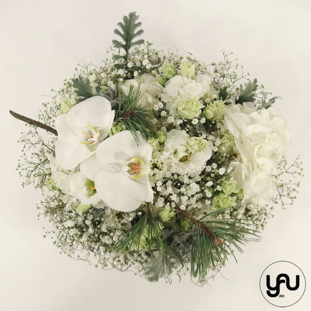 Flori albe si PIN elena toader