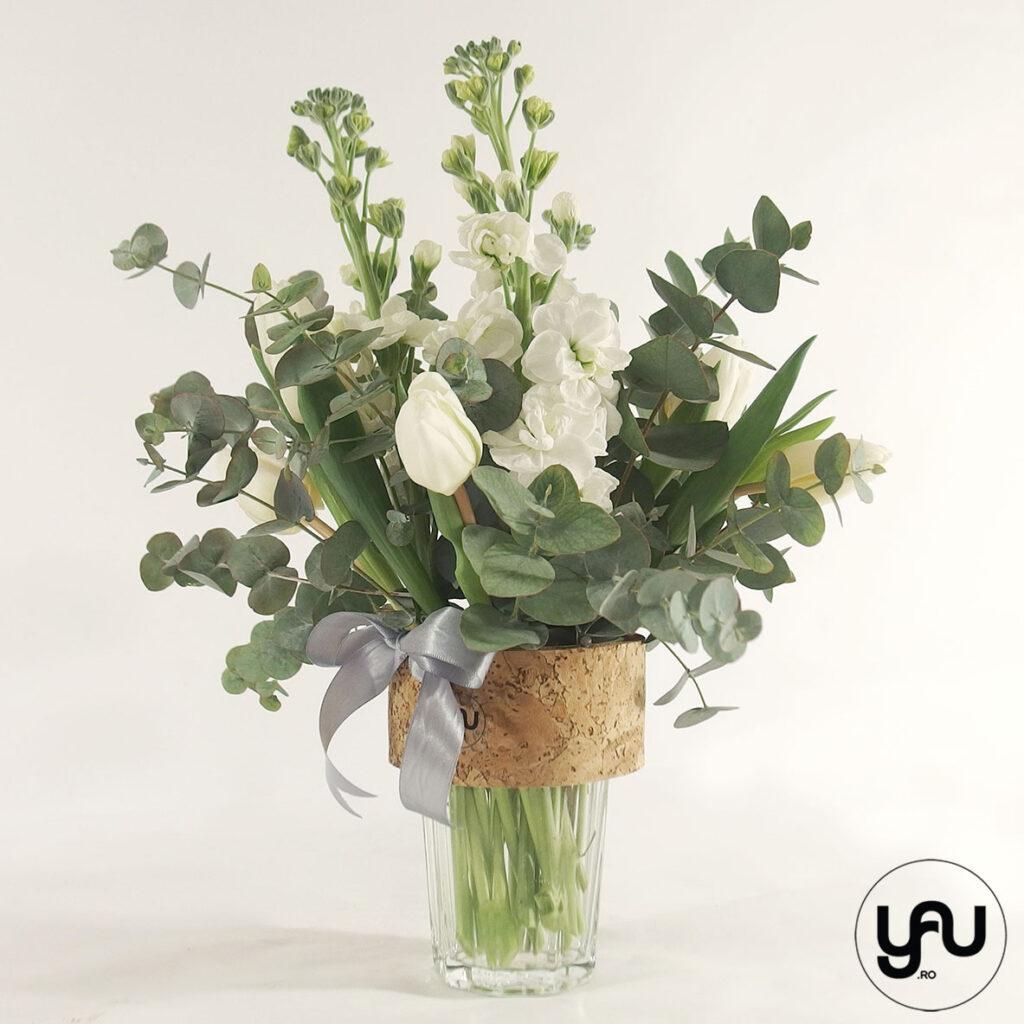 Aranjament cu flori ALBE