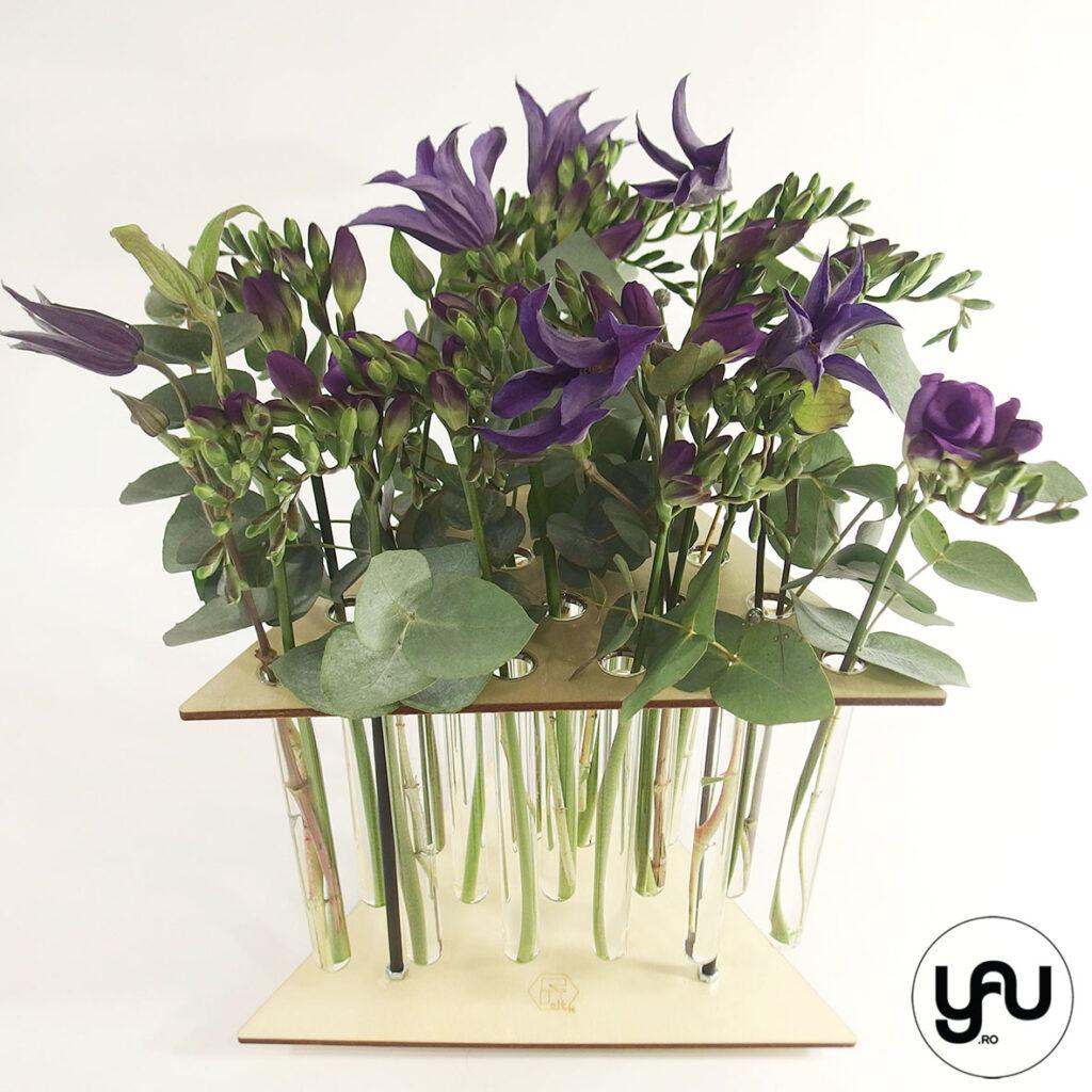 Flori albastre - FREZII & CLEMATIS
